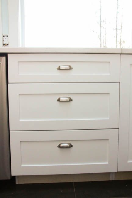 How to Install Cabinet Knobs with a Template {a trick for avoiding ...