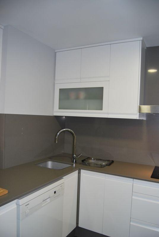 Instalaci n de fregadero en esquina reformas de cocinas - Instalacion de cocinas integrales ...