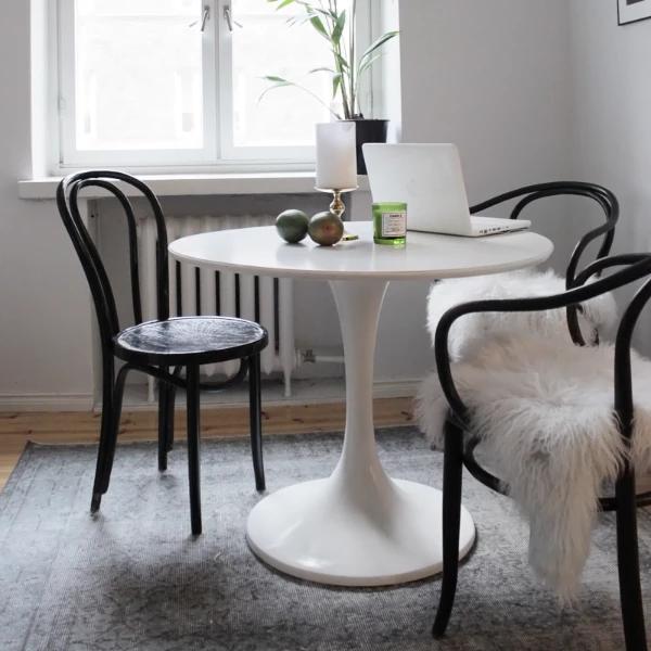 Tulip Fiberglass Dining Table 30 Round Eero Saarinen Tulip