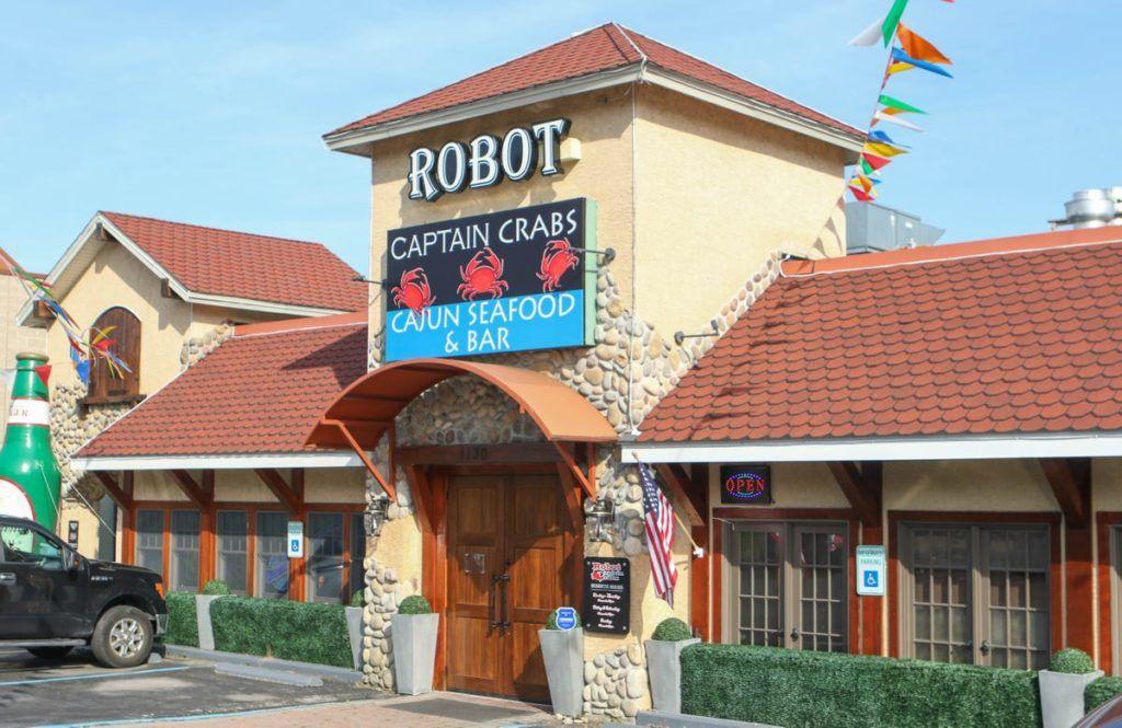 Robot captain crabs cajun seafood bar robots waiters
