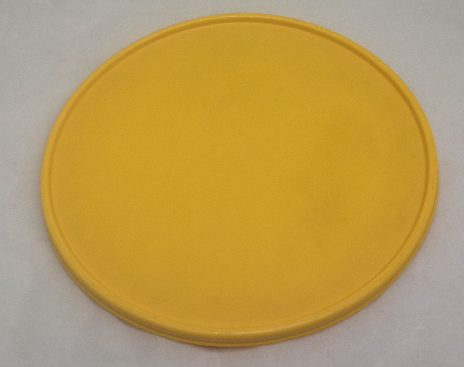Tupperware Bowl Round Replacement Lid Only 1832 6 10 Yellow By