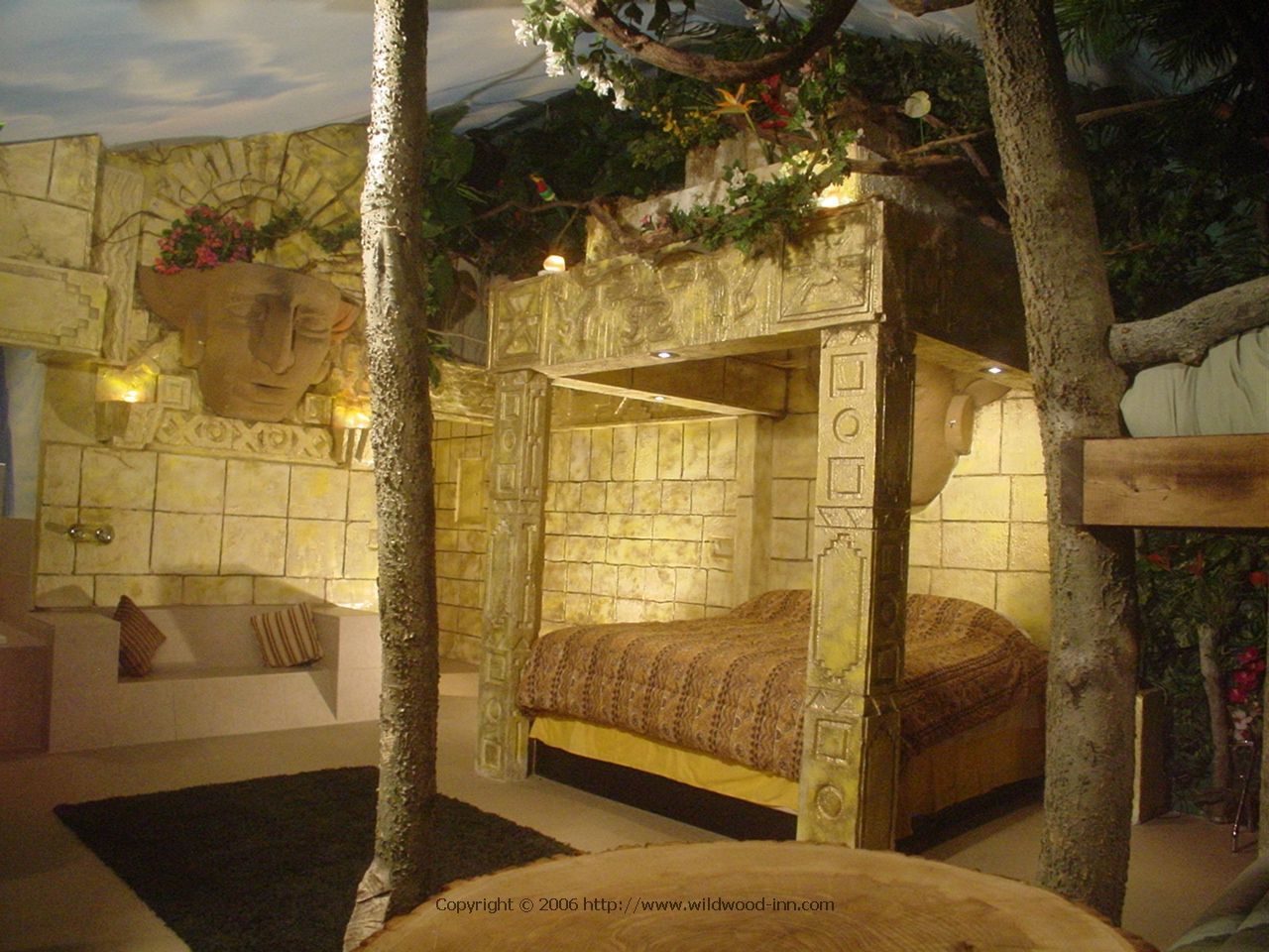Aztec jungle rooms accomodation themes for Aztec bedroom ideas