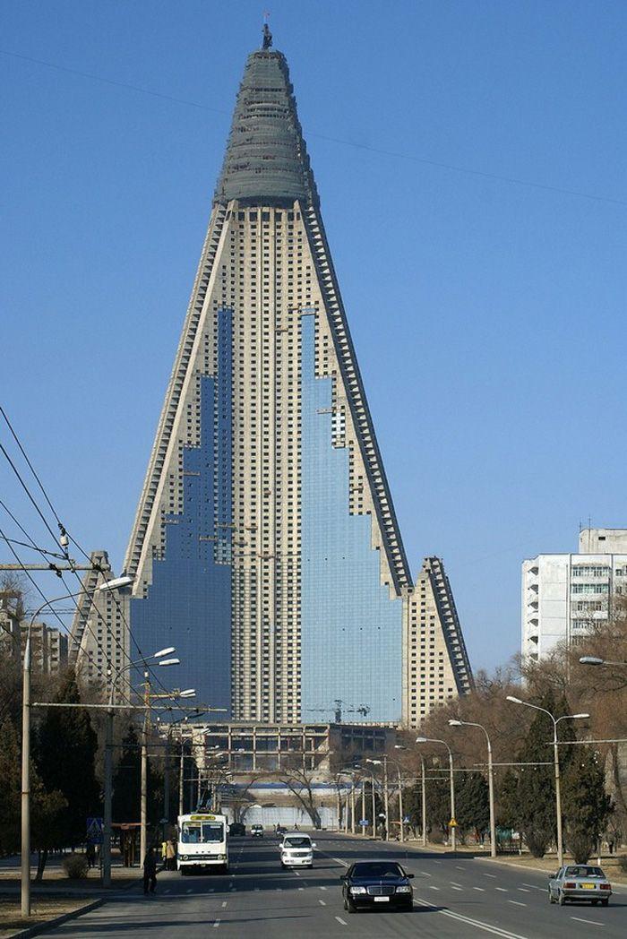 Proyecto: Hotel Ryugyong en Corea del Norte.   Architecture ...