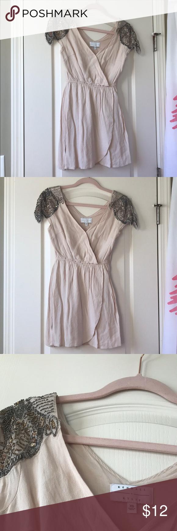 Hellrosa Minikleid Hellrosa Minikleid von Kendal + Kylie Großartig für Sch …   – My Posh Closet