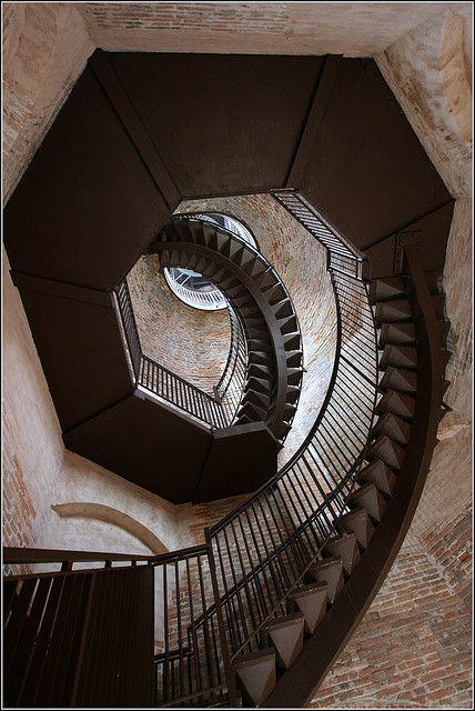 Torre dei Lamberti    Verona Italia