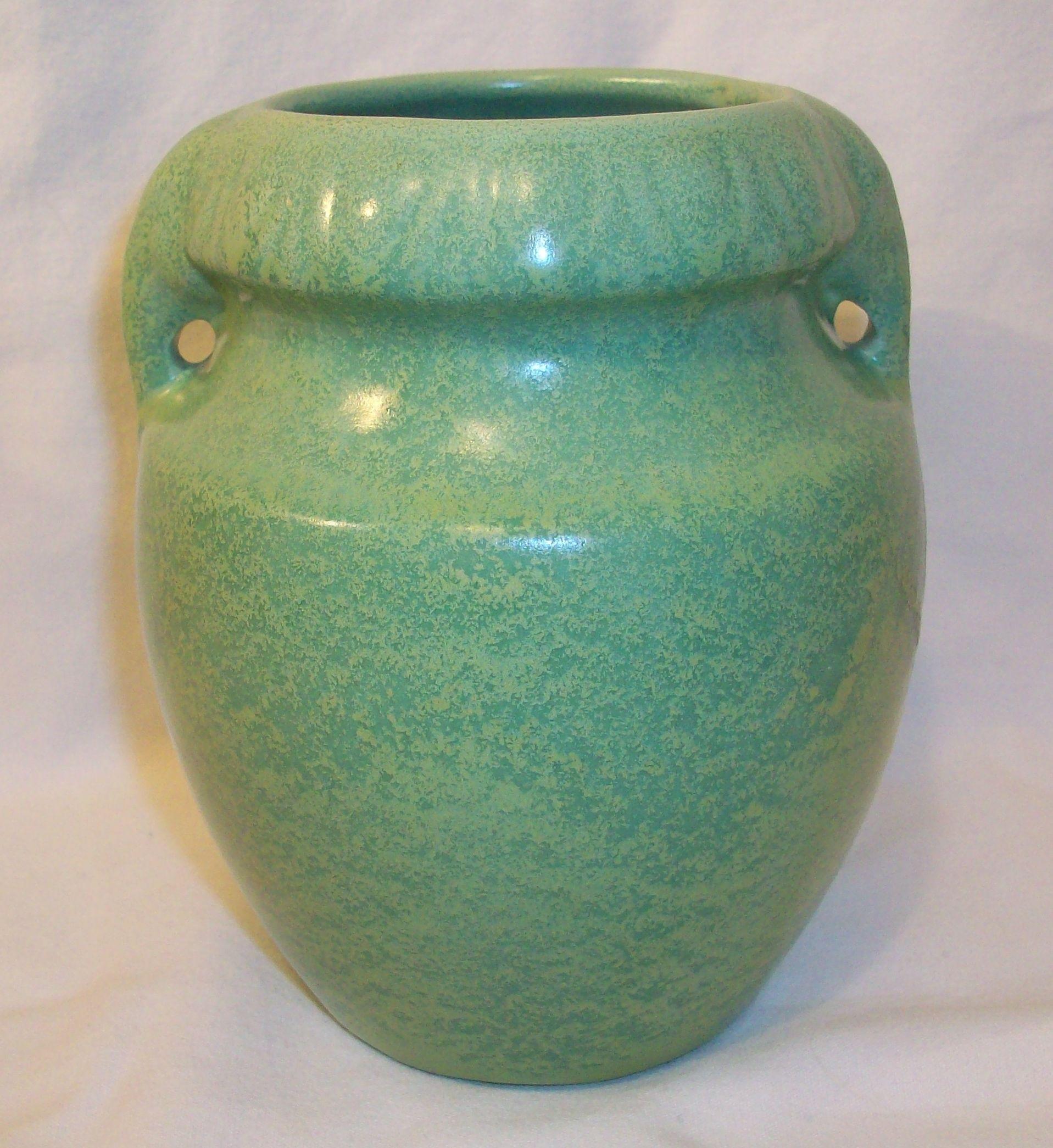 Vintage 1930s haeger pottery elephant handled geranium leaf green vintage 1930s haeger pottery elephant handled geranium leaf green glazed vase reviewsmspy
