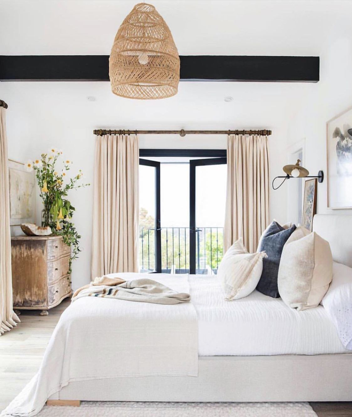 Pin By Bella Silva On Room With A View Light Airy Bedroom Beautiful Bedroom Inspiration Home Decor Bedroom Simple bedroom decoration view