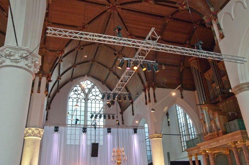 verlichting trussen kerk - Google zoeken   1329-Herinrichten kerk ...
