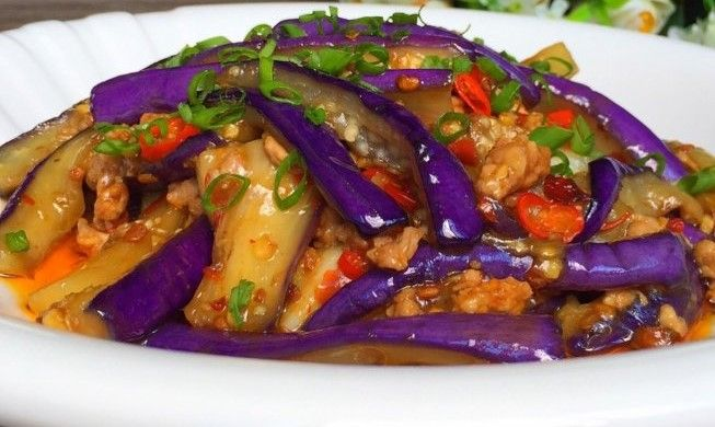 Spicy Eggplant with Minced Pork – Simple Easy Chinese Cooking in 2020 | Spicy eggplant. Chinese cooking. Cooking