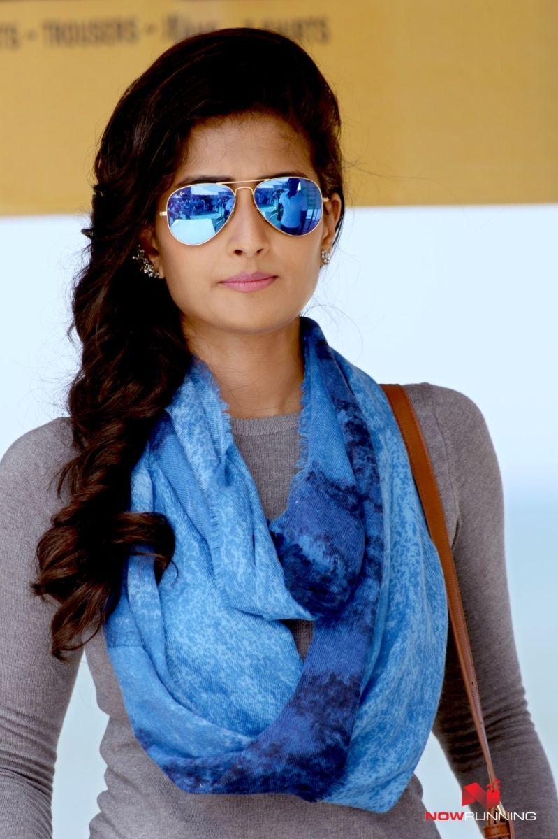 Shamili in Veera Sivaji | NOWRUNNING TAMIL | Picture movie