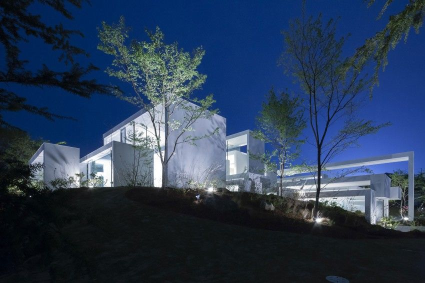 Cosmic is a project completed by UID in 2014. Located in Japan, the home is spacious and airy.