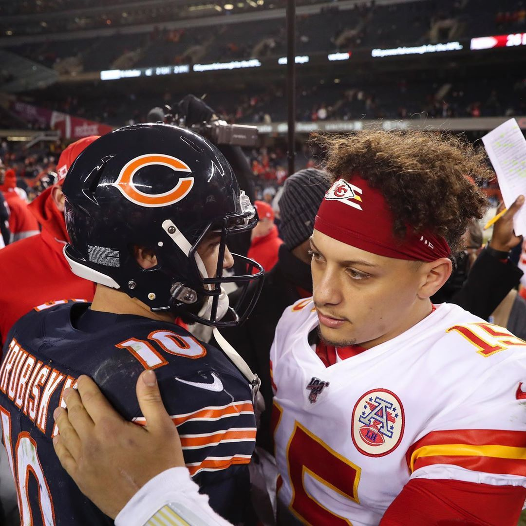 Chicago Tribune Sports On Instagram Mitch Trubisky And Patrick Mahomes Share A Postgame Hug After The C Bears Football Chicago Tribune Chicago Bears Football