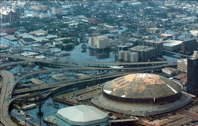 New Orleans flooding and the damaged Superdome Hurricane ...