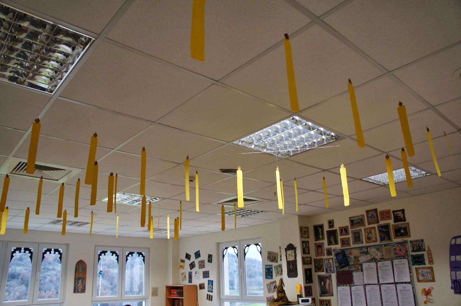 The Charming Classroom Floating Candles In The Great Hall At Hogwarts Harry Potter Themed