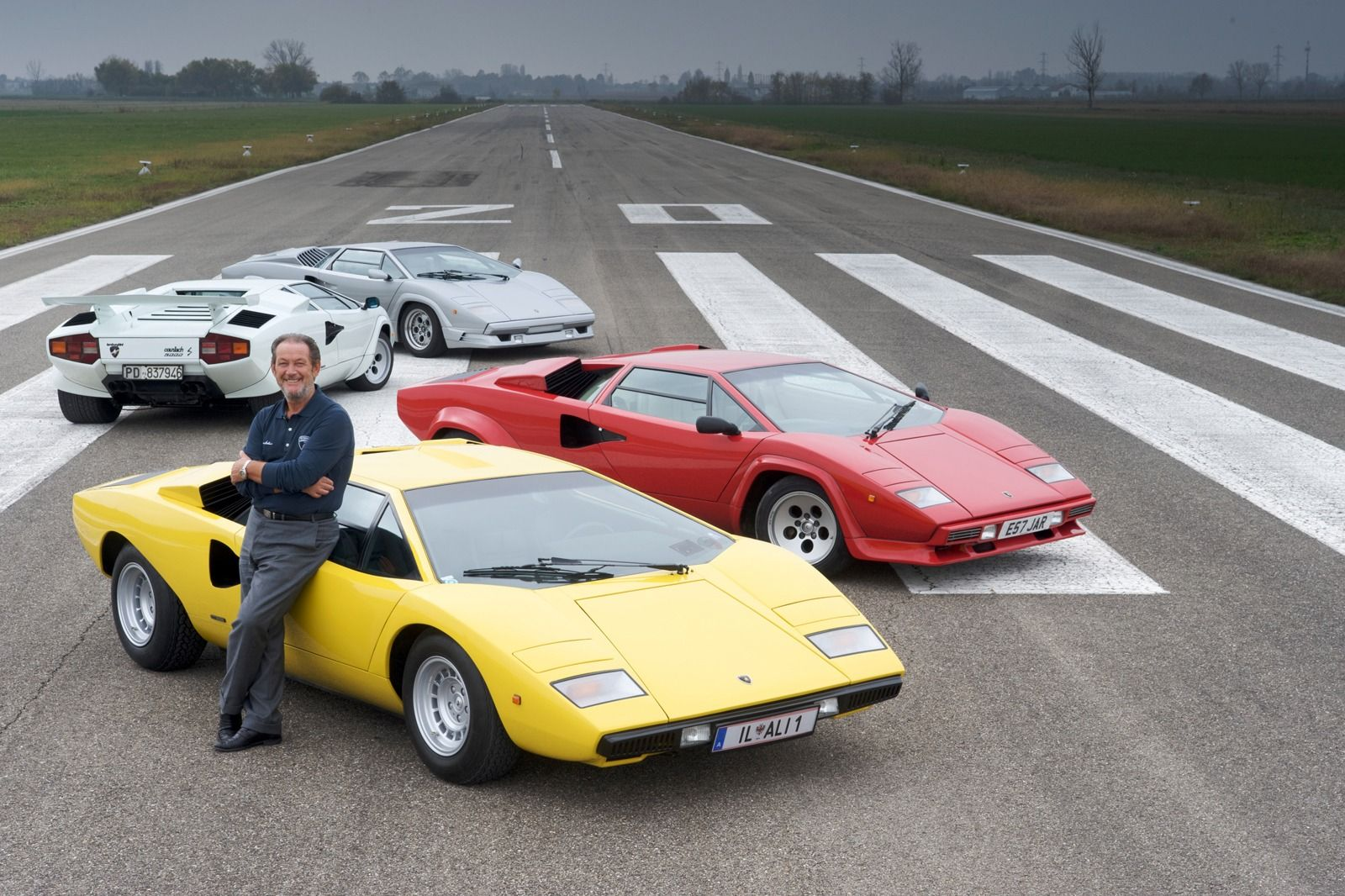 Valentino Balboni One Of The Best Drivers In The World With One Of The Best Jobs Ever Lamborghini Countach Valentino Balboni Lamborghini