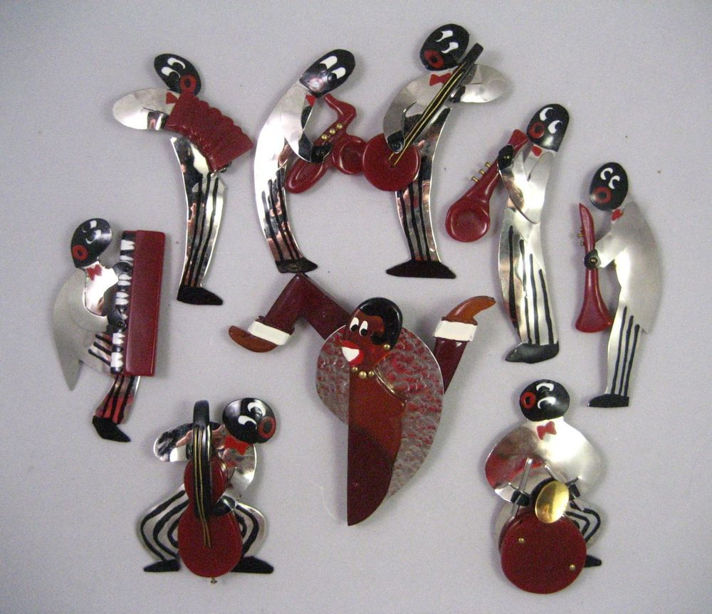 RARE and COMPLETE JOSEPHINE BAKER and 8 MUSICIANS VINTAGE BAKELITE-CHROME SET