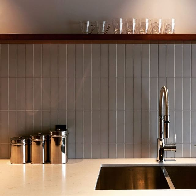 Modern kitchen. Zest Nero pull out kitchen faucet by #Aquabrass ...