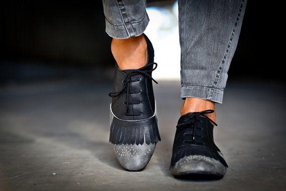 30 sale Vivienne Black Oxford Shoes Brogue Shoes Flats by abramey, $219.00