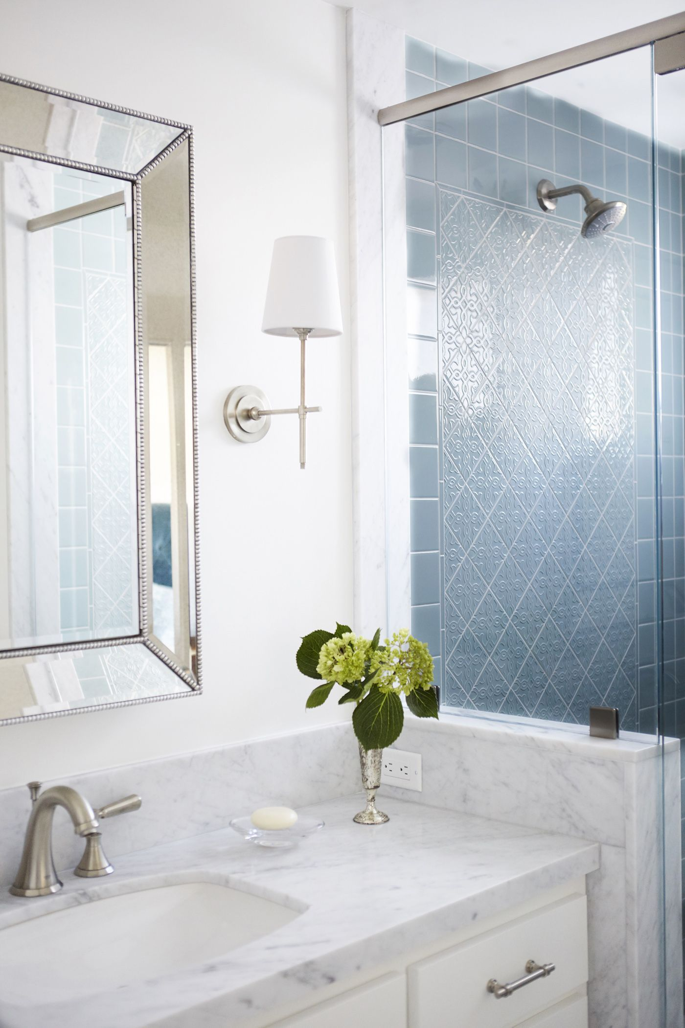 29 Bathrooms That Make Colorful Tile And Bold Patterns Work | Blue ...