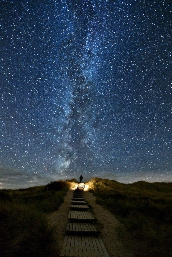 Amazing Night Sky Pics And Astronomy Quotes Cool Pictures Of Stars Seen On Www Coolpicturegallery Us Heavens Trail Stairway To Heaven Beautiful Places