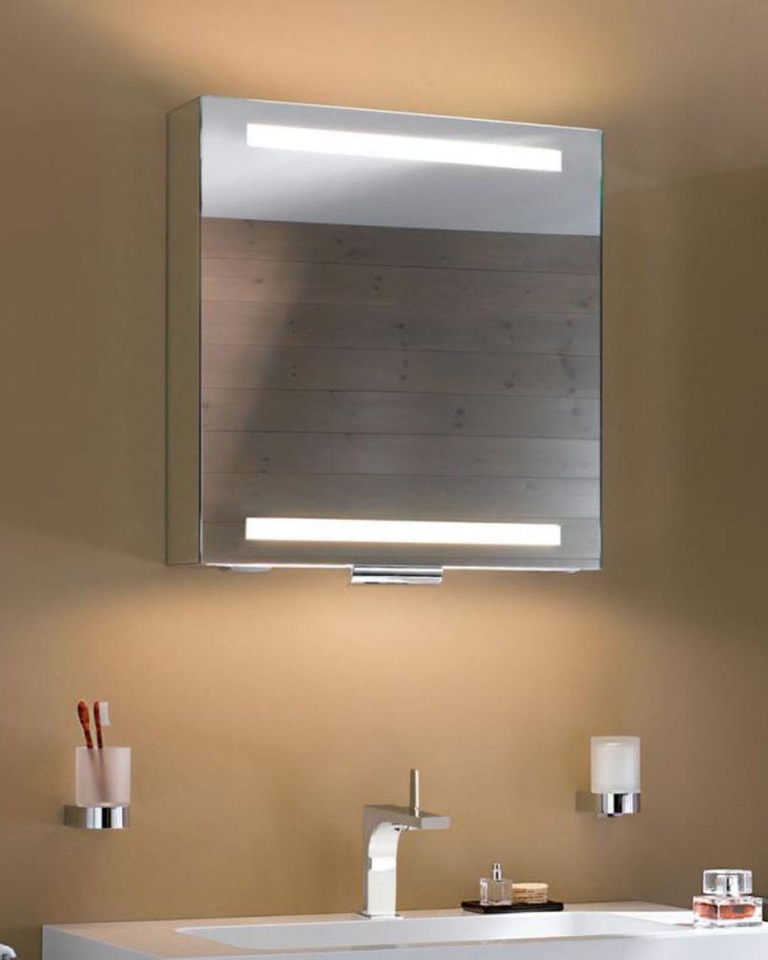 Keuco Edition 300 Dieser Spiegelschrank Offnet Die Turen Nicht Zu Den Seiten Sondern Nach Oben Die Schwenktur Besteht Aus Eine Spiegelschrank Schrank Spiegel