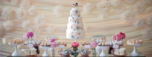 Postres y mesas de dulces para boda. Foto de White Sugar