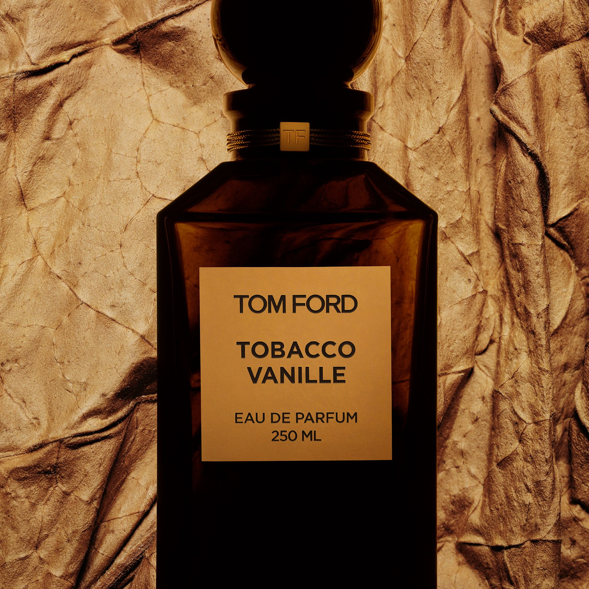 Discover the dual dimensions of vanille featuring Tobacco Vanille and Vanille Fatale.  #TOMFORD #PRIVATEBLEND #TOBACCOVANILLE #VANILLEFATALE