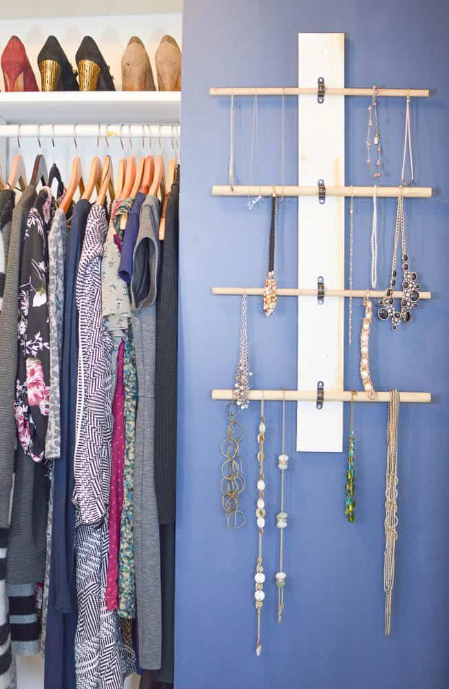 Photo of How to Make a Hanging Necklace Organizer – DIY Passion