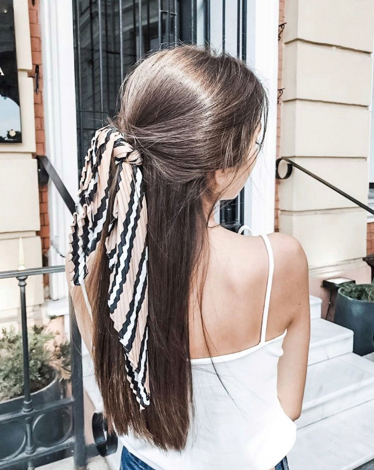 The Prettiest Hair Scarf Styles For This Summer -