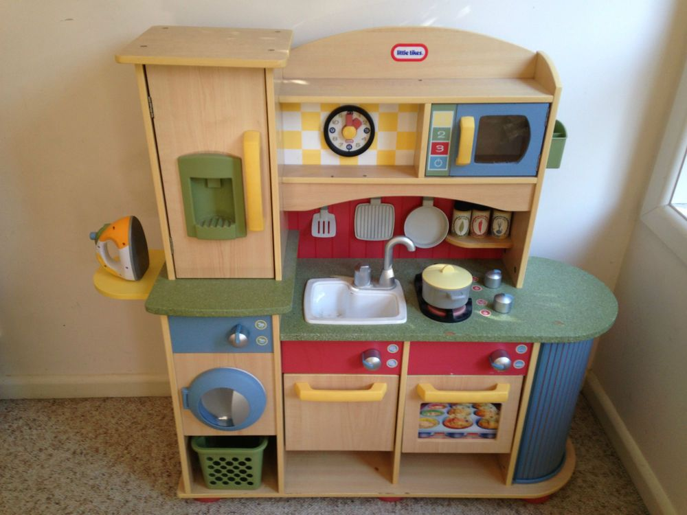 Little Tikes Deluxe Wooden Kitchen Laundry Centre Center Preschool Toys
