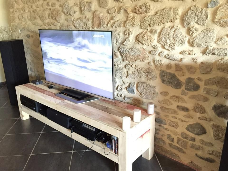 pallet tv console media stand 1001 pallet ideas