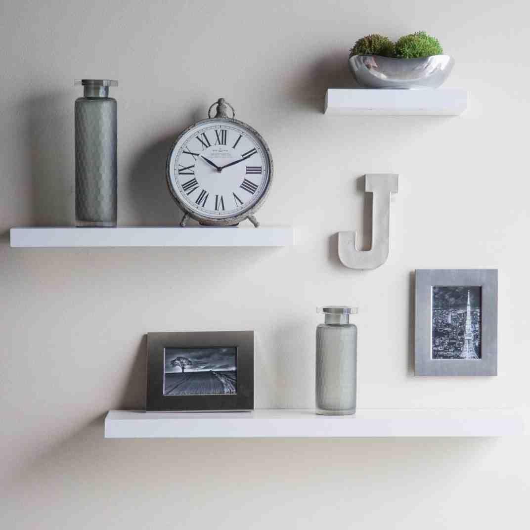 white floating wall shelves shelves in bedroom floating on wall shelves id=52290