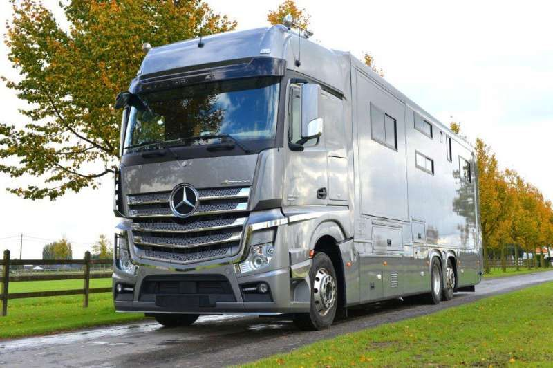 Mercedes actros germany stx motorhomes campers for Mercedes benz luxury rv