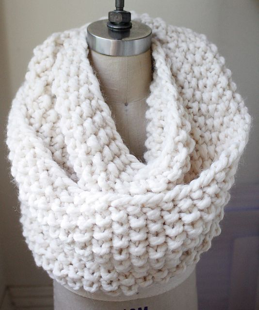 Chunky knitted cowl/infinity scarf | Knitted Things | Pinterest