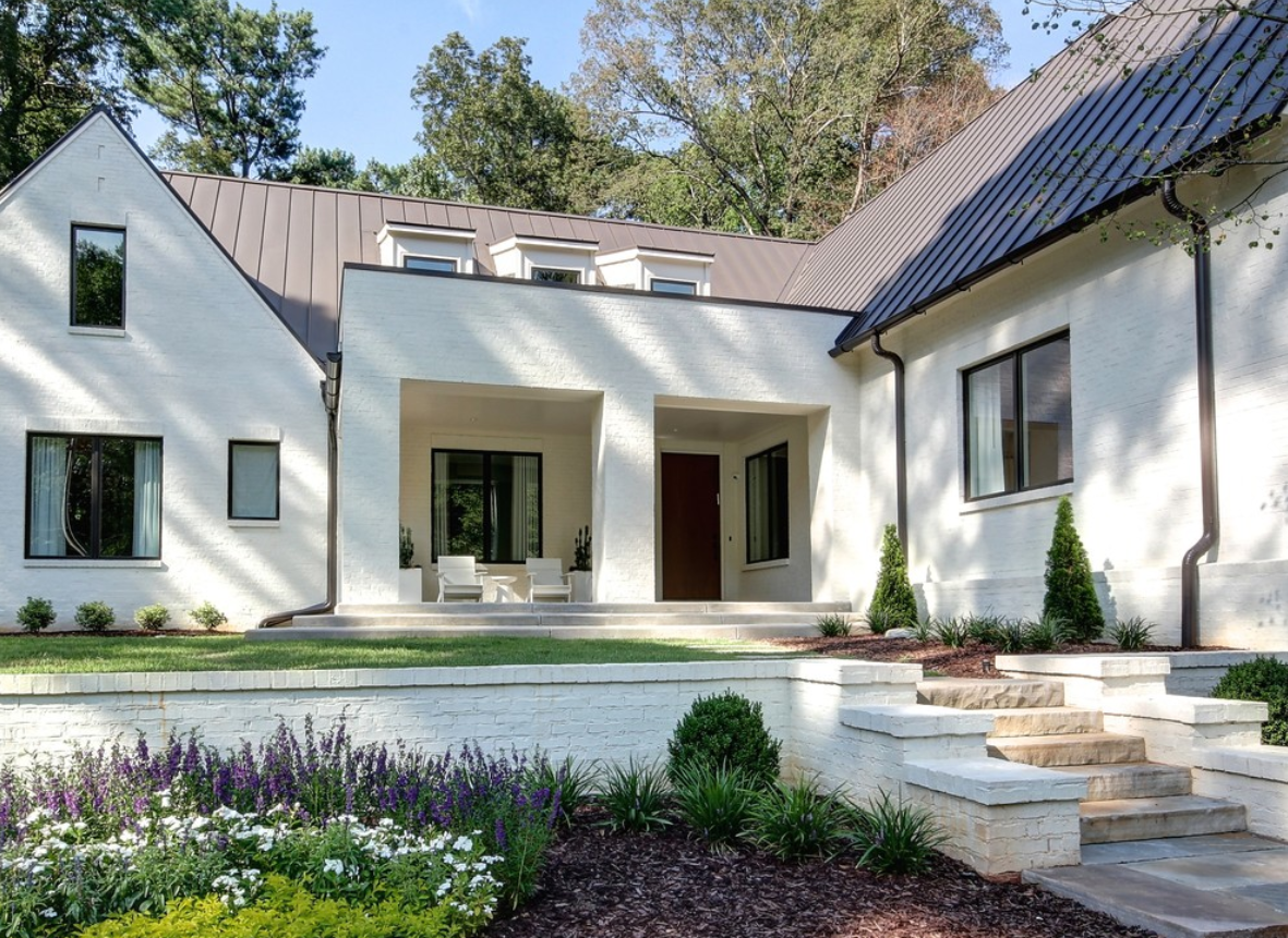 White Brick China White By Benjamin Moore House In 2019 Exterior House Paint Exterior