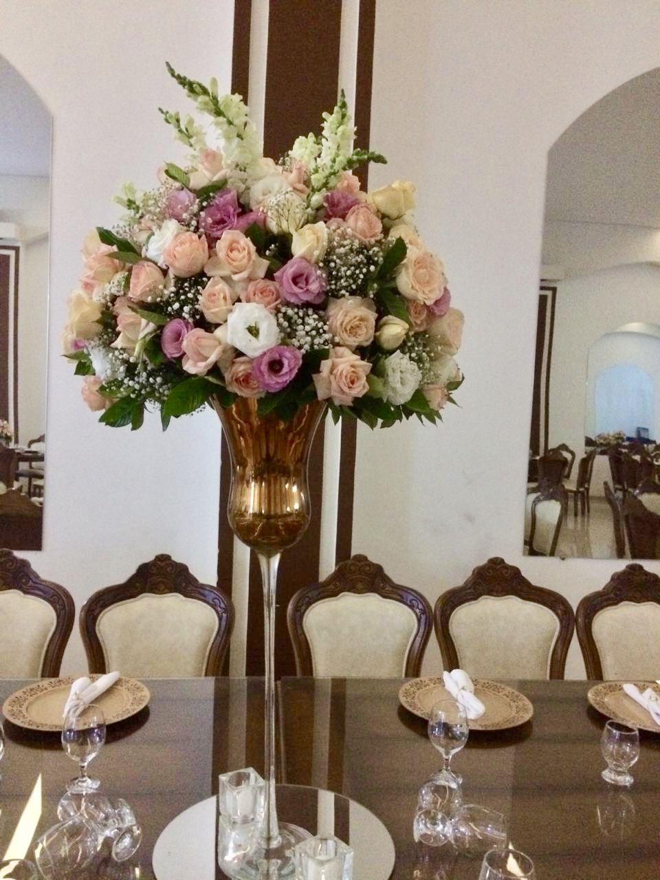 Arranjo Floral Em Taca Alta Para Mesa Dos Convidados Decoracao