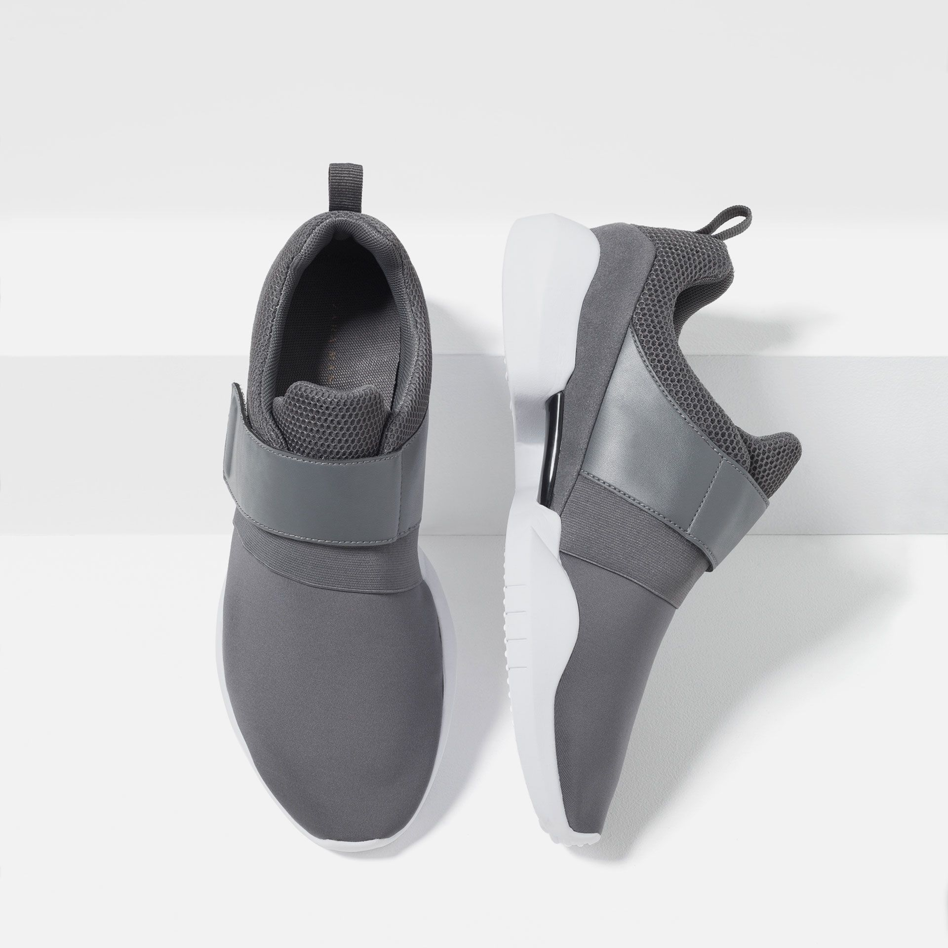 sneaker mit klettverschluss alles anzeigen ab gr e 39 schuhe herren zara deutschland. Black Bedroom Furniture Sets. Home Design Ideas