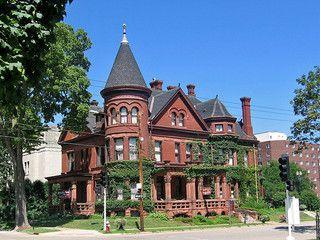Richardsonian Romanesque Victorian Brick House Dubuque Iowa Victorian Homes Romanesque American Mansions