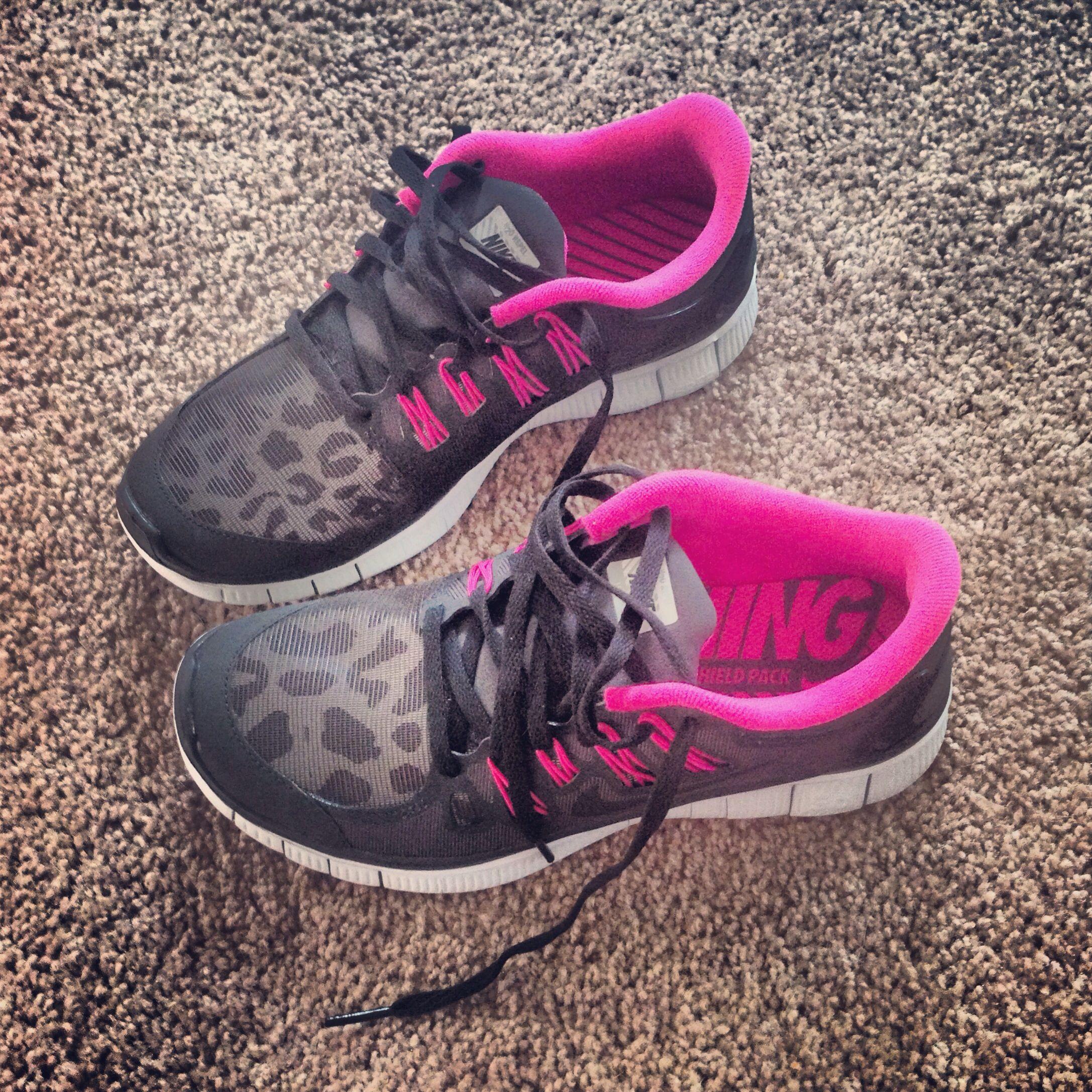 My next pair of nike free runs!! Leopard print hot pink&