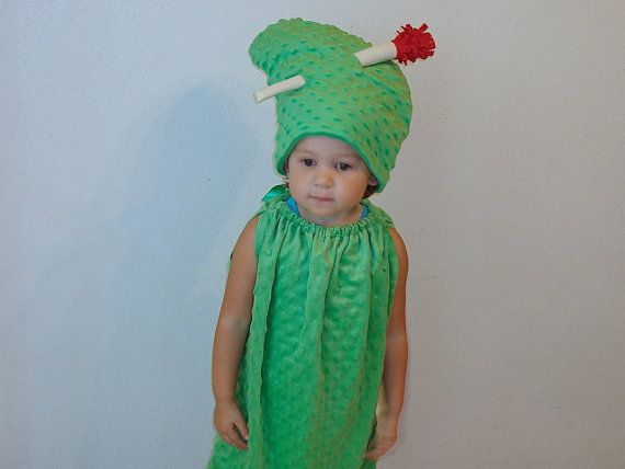how to make a dill pickle costume