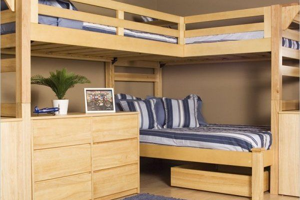 l shaped bunk beds for the twin s room l shaped bunk beds stripped bed linen. Black Bedroom Furniture Sets. Home Design Ideas