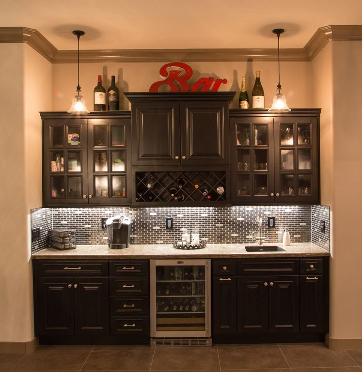 View This Great Contemporary Bar With Built In Wine Cooler Complex Granite Counters By Fritz Mortl Discover Browse Thousands Of Other Home Design