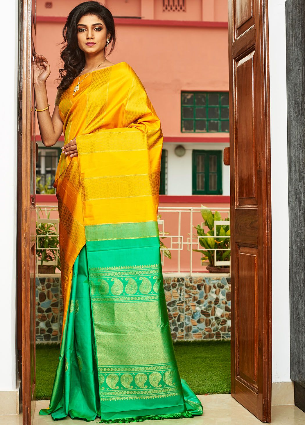 f8f9b78495415 Yellow And Green Kanjivaram Handloom Pure Silk Saree With Blouse - CY026