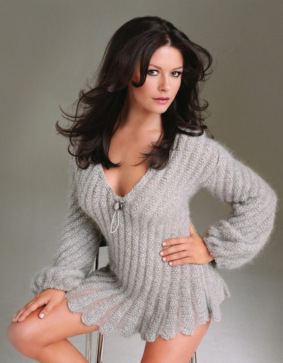 Beautiful Women Over 40 Part 3 Catherine Zeta Jones: sexy 30