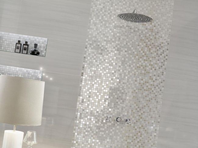 silber-mosaik-wandgestaltung-badezimmer-love-tiles.jpg 650×487 Pixel