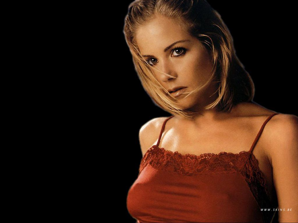 Christina Applegate Nipple Slip Amazing christina kelly | christina applegate-kelly bundy sexiest photo