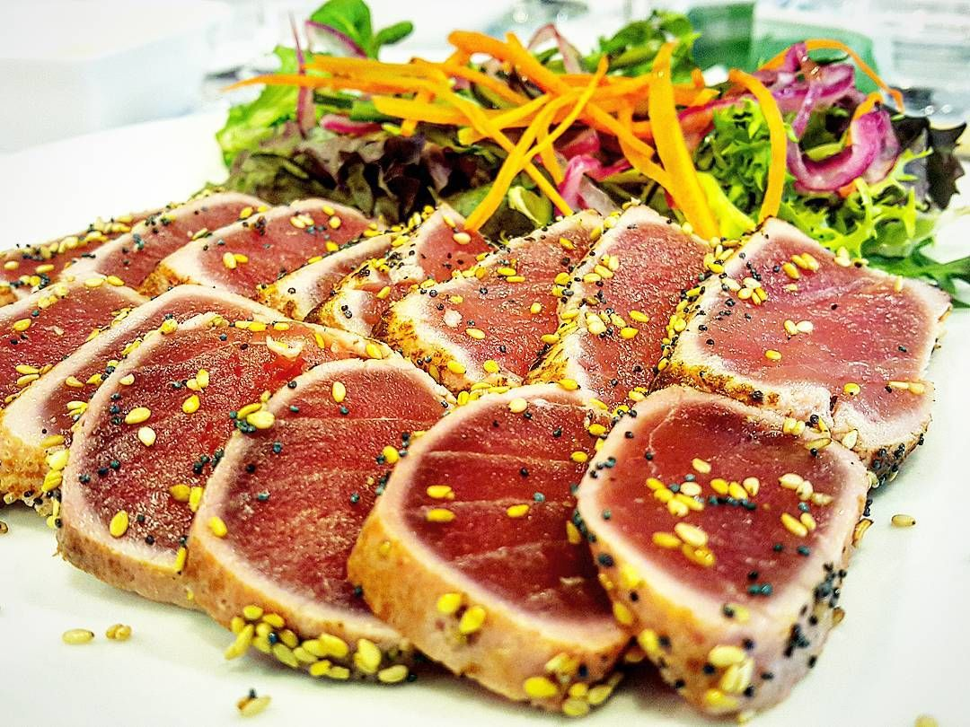 C/Rector Tomás Vila 16 Sant Feliu de Codines  #tataki #tonyina #atun #tuna #sesamo #sesam #fish #peix #raw #cru #salad #ensalada #amanida by rokakuros.f.t