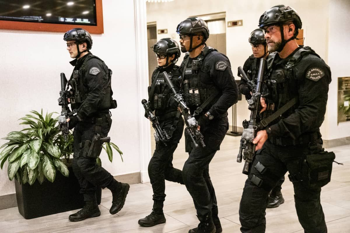 Swat Season 3 Episode 14 Photos Animus In 2020 With Images