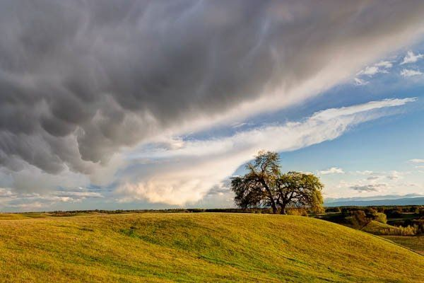 Mamutus Clouds over Red Bluff.jpg