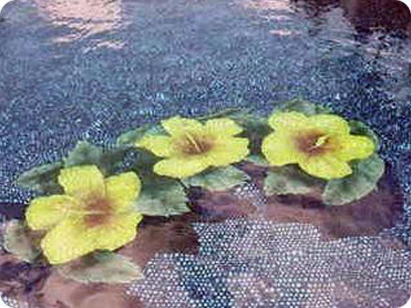 Beautiful floral tile mosaic design on swimming pool floor ...